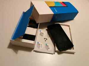 LG Nexus 5 16GB - Unlocked (even with Wind) -Excellent Condition