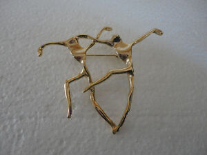 Vintage gold tone dancing couple brooche pin button London Ontario image 1