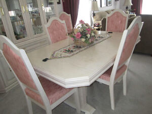 Dining Set, Very Good Condition