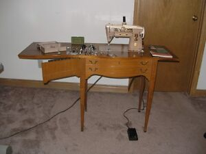 Singer 401A Heavy Duty Sewing Machine Vintage
