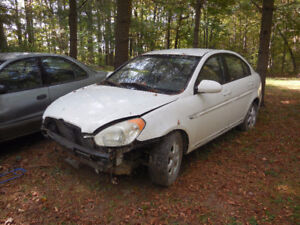 2009 Hyundai Accent GL Sedan for parts or rebuild