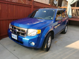 2011 Ford Escape CERTIFIED MINT!!