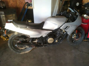 1986 FZ750 YAMAHA - PARTS ONLY
