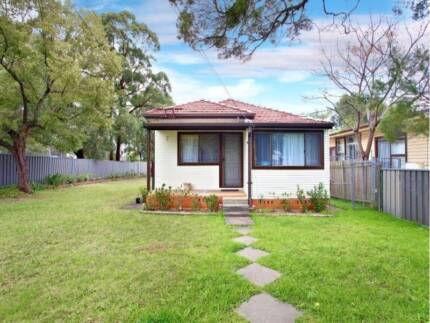 CLOSE TO SCHOOL, SHOPS AND STATION!! Mount Druitt Blacktown Area Preview