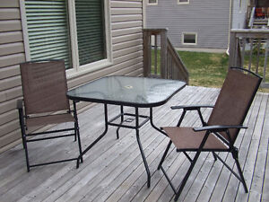 SMALL PATIO SET