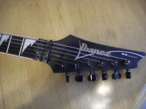 Electric Ibenez Guitar with hard shell case
