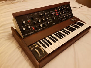 Vintage MOOG MINIMOOG with Custom Flight Case