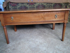 Coffee Table or TV Stand w. Drawer – Antique