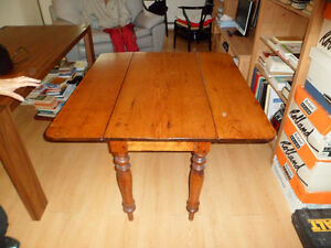 TABLE ANCIENNE PLIABLE