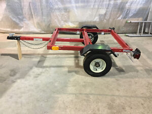 TRAILER SMALL NEVER BEEN USED