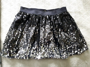 Justice brand girls size 16 skirt in black and silver-$10