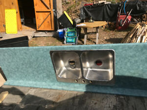 COUNTER TOP VERY GOOD CONDITION