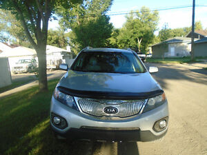 ***2011 Kia Sorento   AWD***LEATHER ONE YEAR WARRNEY