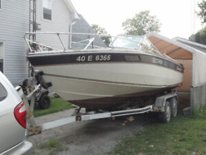 21' Chris Craft Inboard/Outboard