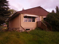 Boyle House on Large private Acreage IN TOWN - 3 acre lot