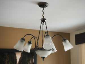 Plafonnier 7 ampoules. 7 Bulbs light fixture.