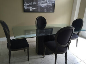 Beautiful glass dining table for sale. Pick up in London Ontario London Ontario image 1