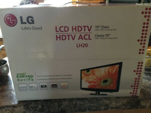 "LG 19"" LCD HDTV For Sale"