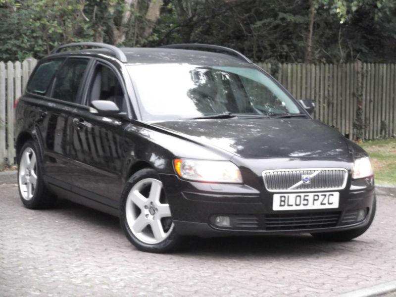 Volvo V50 2.0D SE E4**DIESEL ESTATE**TOP OF THE RANGE**LONG MOT**
