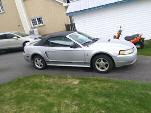 Ford Mustang 2000 Convertible V6 Automatique