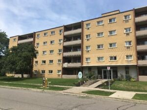 WALK TO OSHAWA CENTRE CLEAN BUIDING 1BDR $1,100 & 2BDR $1,250