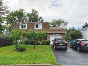 4+1 bedrooms house in Brossard for rent