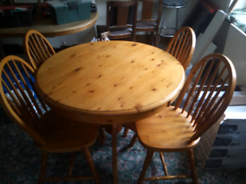 Pine Round Dining Table & 4 Chairs
