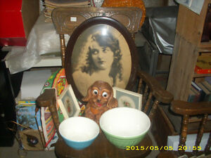 antique oval frame picture bubble glass