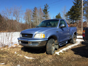 1998 Ford F-150 XLT step side Pickup Truck