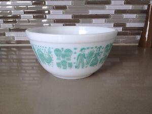 Bol a Melanger **Pyrex Amish Butter Print ** Mixing Bowl