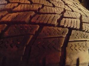4 pneus d'hiver 235/55/19 Toyo Observe GSI5