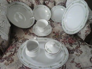 Royal China - Elaine Cerca 1960 Vintage