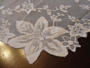 """NEW Square tablecloth  in white lace (35"""" X 35"""") Kitchener / Waterloo Kitchener Area image 1"""