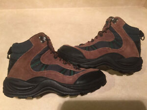 Women's Cedar Ridge Hiking Boots Size 6 London Ontario image 1