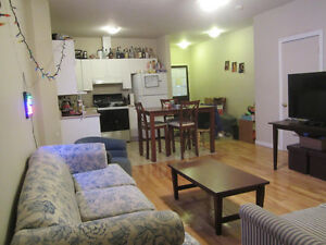**SUMMER SUBLET** Montreal, 2 private rooms (Aylmer)