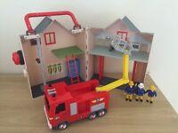 Fireman Sam deluxe station playset