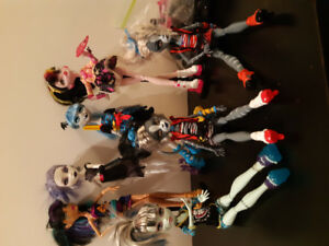 Monster high dolls + xtra accessories
