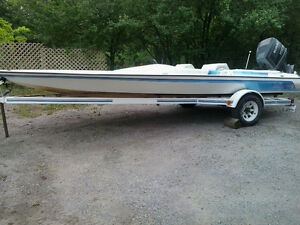 Boat trailer * Fits up to 21ft boat * READY TO GO  $1450 obo