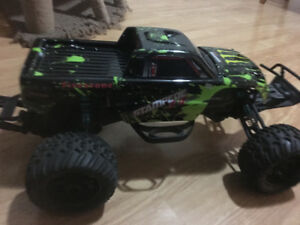 1/10 scale. Ecx torment brushless