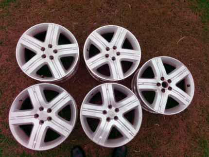 "5 x Subaru Forester XT 17"" Alloy Rims"