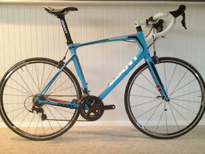 Giant Defy Advanced as new.