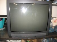 JVC 27 INCH COLOUR TV WITH REMOTE - IN EXCELLENT CONDITION