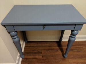 IKEA ISALA LAPTOP TABLE