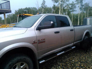 2013 Ram 3500 SLT Pickup Truck Low Km