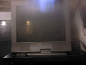 """27"""" Old School TV. - WORKS GREAT, BUT HEAVY"""