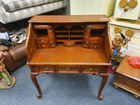 Old Victorian leather top desk with a bank of drawers £115