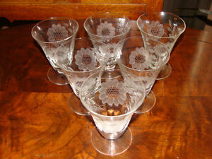 CRYSTAL HUGHES CORNFLOWER ITEMS - EXCELLENT CONDITION! London Ontario image 4