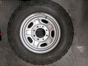 F250 winter rims and tires . 245/75/17 brand new