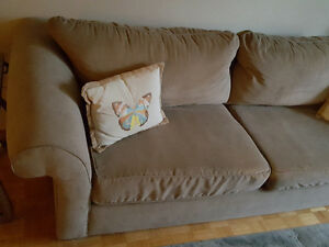 Couch–Very comfortable with a soft luxurious feel Oakville / Halton Region Toronto (GTA) image 3