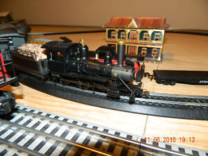 Lionel and Bachman Trainset on table. $500 obo Peterborough Peterborough Area image 6